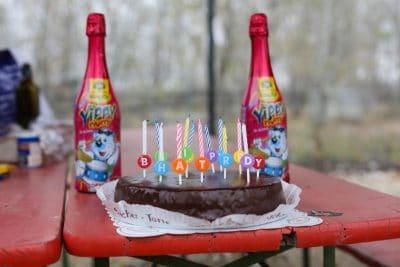 """Geburtstag feiern """"BHAIT PRDY"""" oder """"HAPPY BIRTHDAY"""" wie wir sagen würden. xD"""