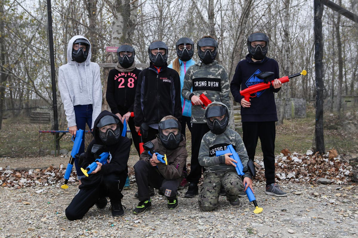 Gruppenbild nach dem Paintball spielen